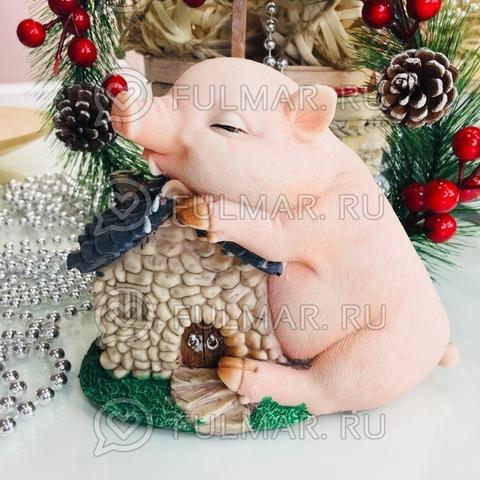Копилка Поросёнок у домика Балдёжка Винни бежевый символ 2019 года (14х17х8 см)