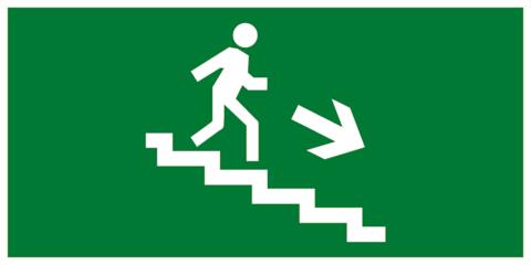 Эвакуационный знак – Направление движения к эвакуационному выходу по лестнице вниз направо