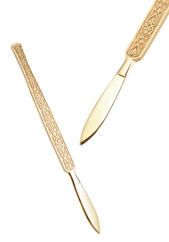 Подарок хирургу — скальпель «Золотые руки».