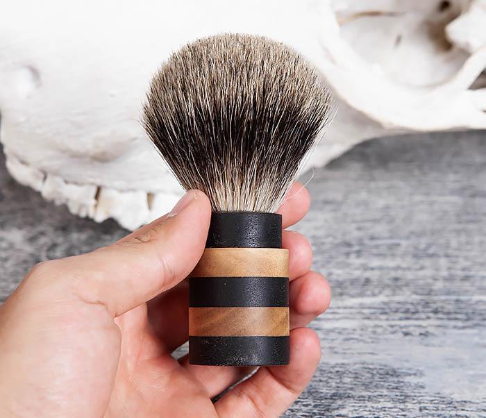 RAZ381 Помазок из барсучего волоса с деревянной рукояткой фото 05