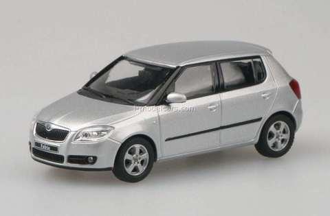 Skoda Fabia II Facelift Combi 2012 White Candy 1:43 Model ABREX