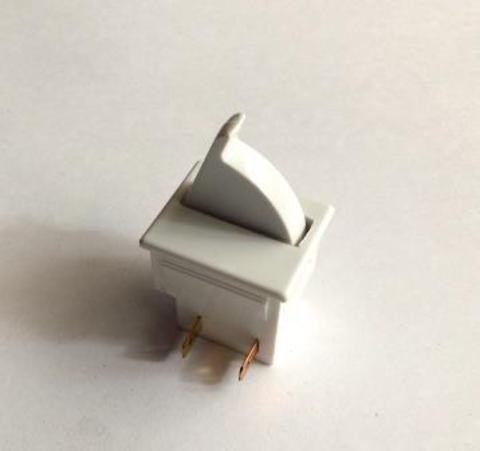 Кнопка выключения подсветки холодильника Индезит/Аристон
