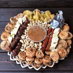 Подарочная корзина сладости и сухофрукты, 2,7 кг, №14