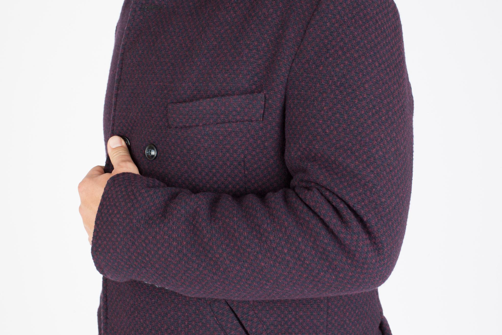 Красно-синий шерстяной бушлат, нагрудный карман