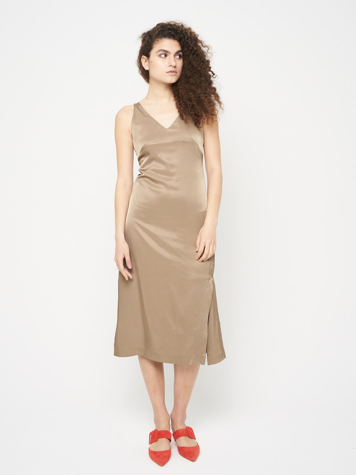 Платье-комбинация с открытой спиной