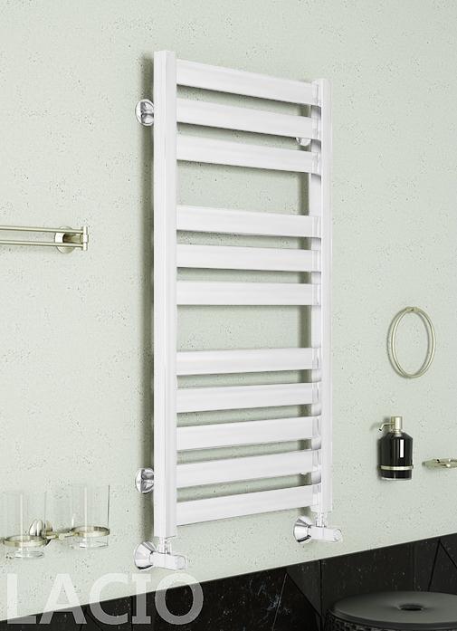 Lacio - белый полотенцесушитель с квадратным профилем.
