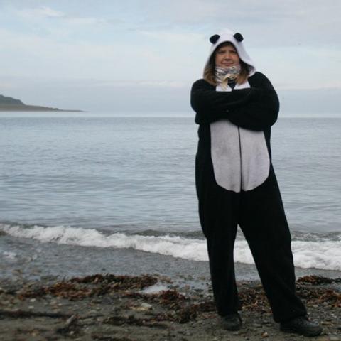 Ирина: Северный Ледовитый океан. Баренцево море. Мыс Скорбеевский. В такой шикарной пижаме было абсолютно не холодно.