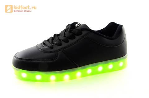 Светящиеся кроссовки с USB зарядкой Fashion (Фэшн) на шнурках, цвет черный, светится вся подошва. Изображение 4 из 27.