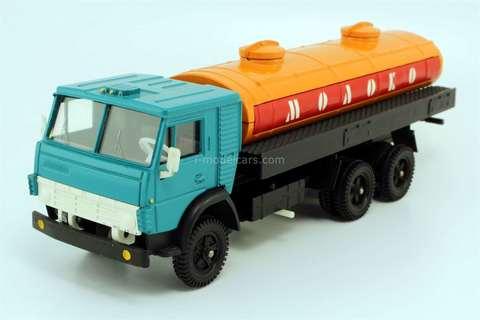 KAMAZ-53212 tank Milk green-orange Elecon Made in USSR 1:43