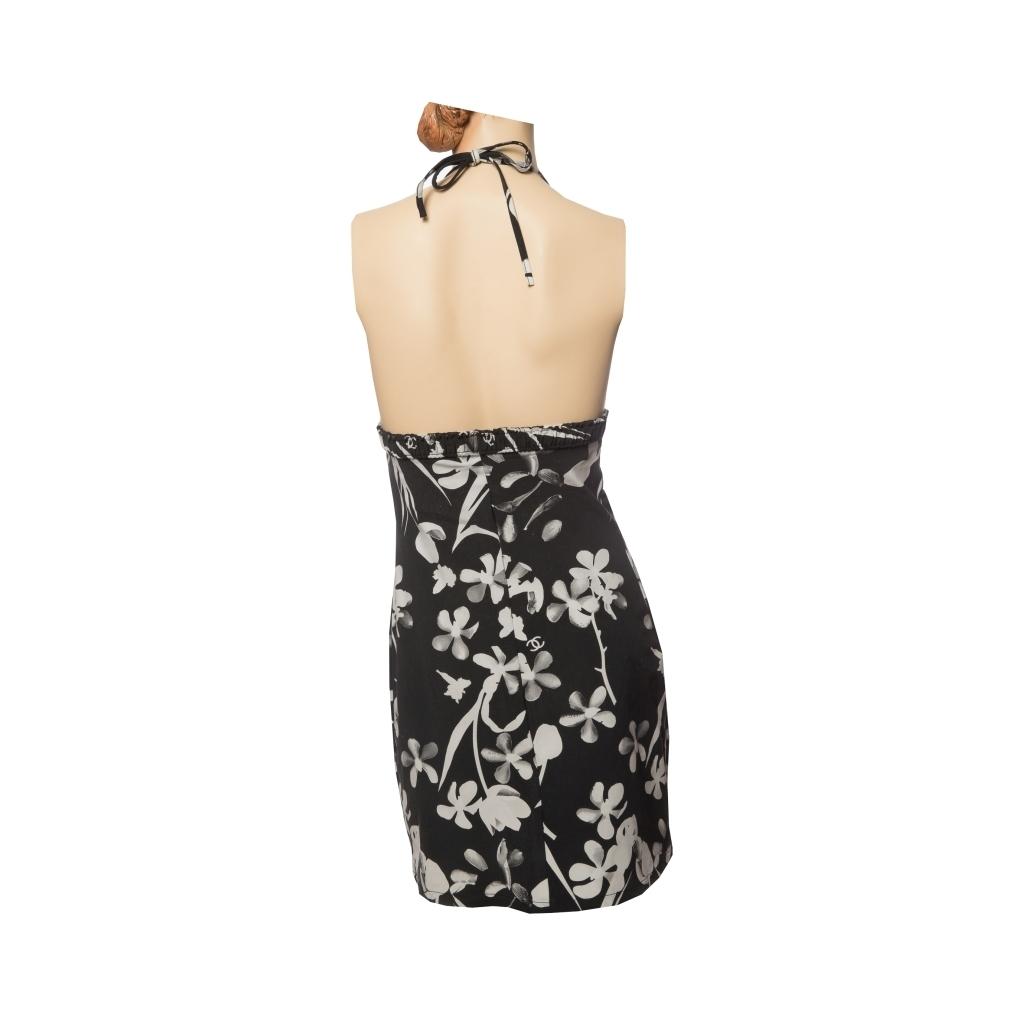 Красивый летний сарафан с цветочным принтом от Chanel, 44 размер.