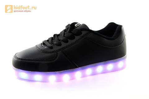 Светящиеся кроссовки с USB зарядкой Fashion (Фэшн) на шнурках, цвет черный, светится вся подошва. Изображение 5 из 27.