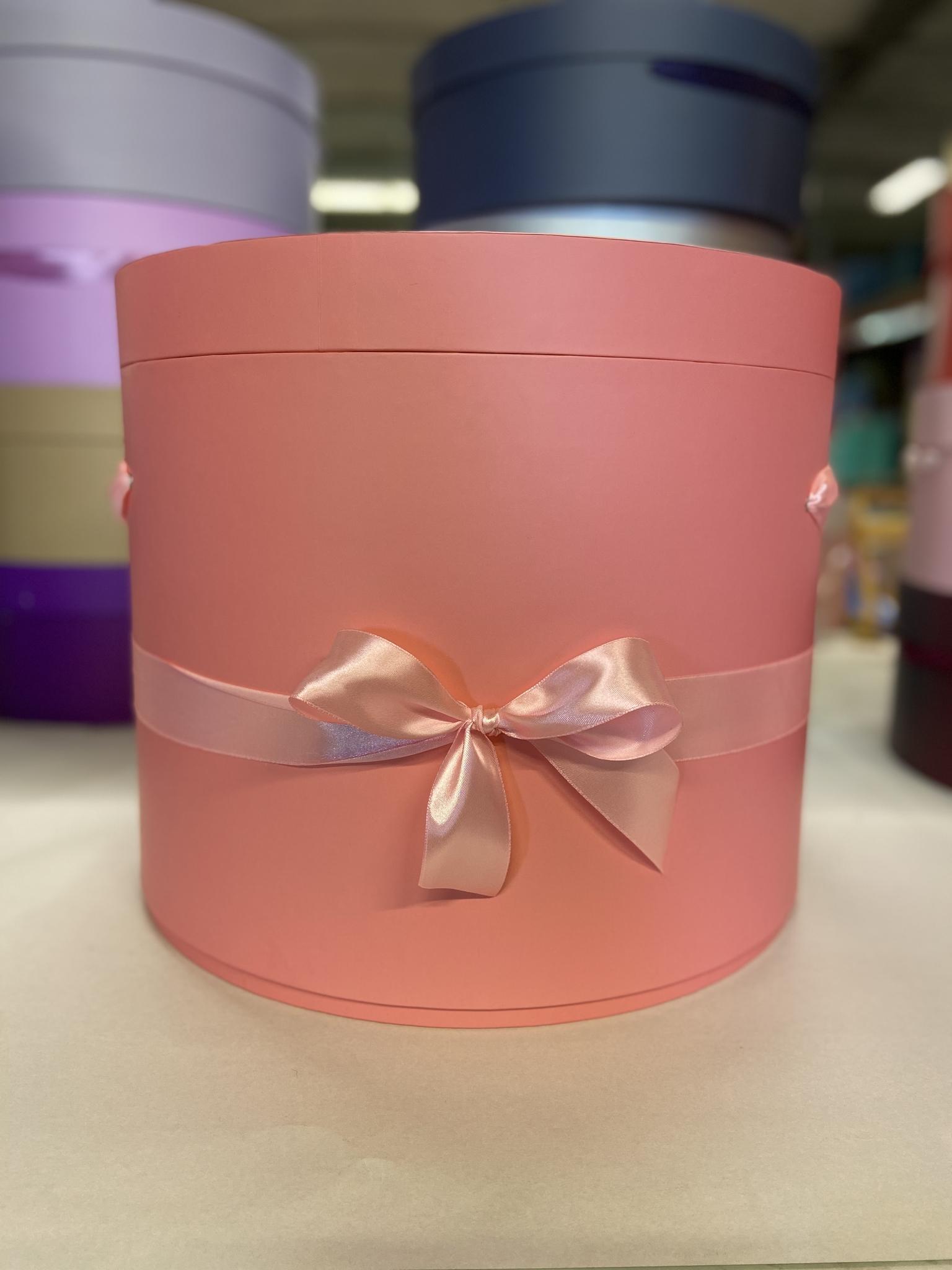 Шляпная коробка 40 см Цвет: Розовый   . Розница 1200 рублей .