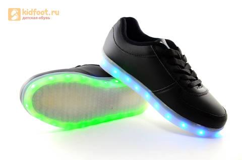 Светящиеся кроссовки с USB зарядкой Fashion (Фэшн) на шнурках, цвет черный, светится вся подошва. Изображение 15 из 27.