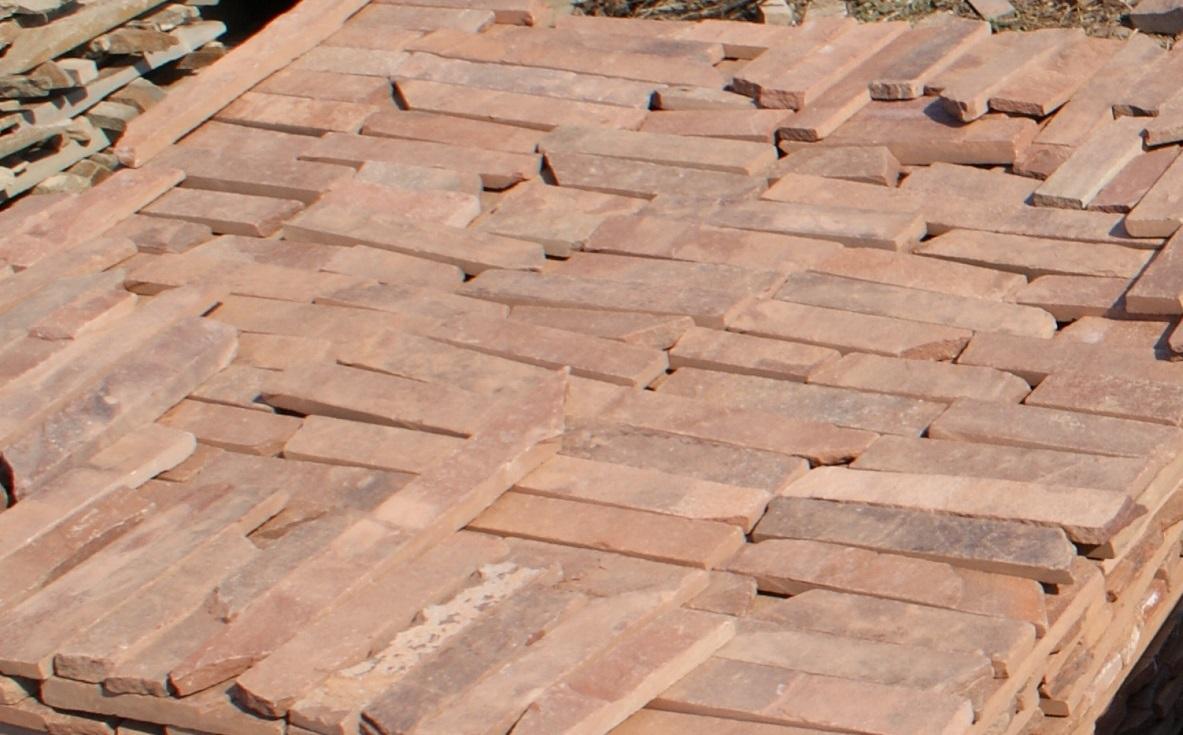 плитка песчаник терракот (красный) пиленная с 2-х сторон, образец для облицовки