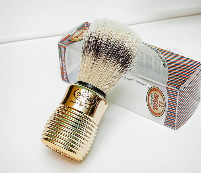 RAZ505 Помазок «OMEGA» из щетины кабана с рукояткой золотистого цвета