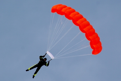 Запасной парашют Space