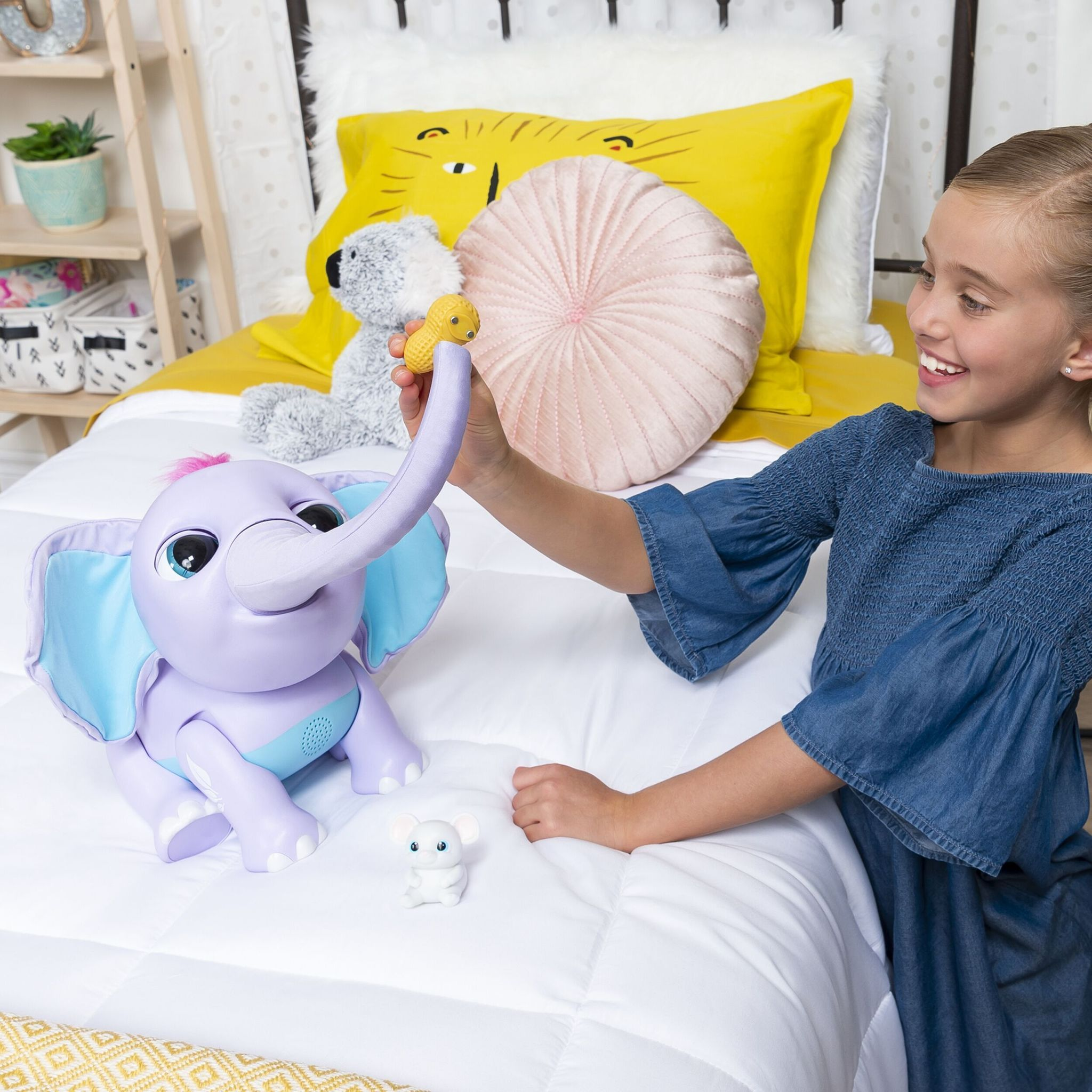 Слоненок Джуно интерактивная игрушка