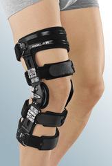 Регулируемый жесткий коленный ортез protect.4 OA