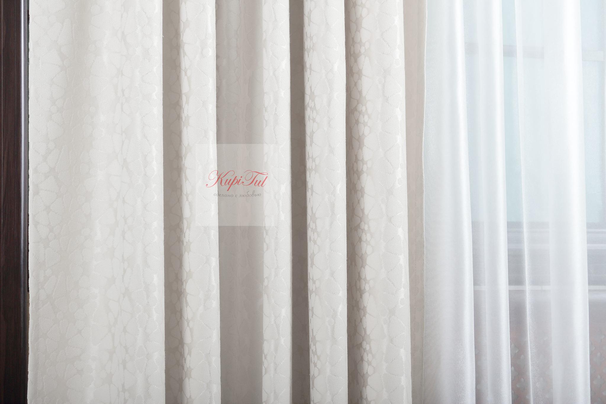 Длинные шторы. Лоран (молочный). Шторы из стриженного бархата.