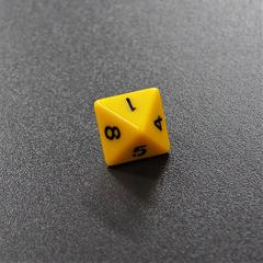 Желтый восьмигранный кубик (d8) для ролевых и настольных игр