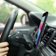 Комплект в автомобиль для iPhone 8
