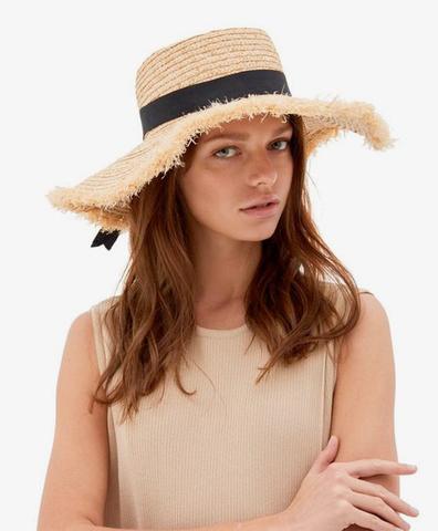 Соломенная шляпа с лентой-бантиком
