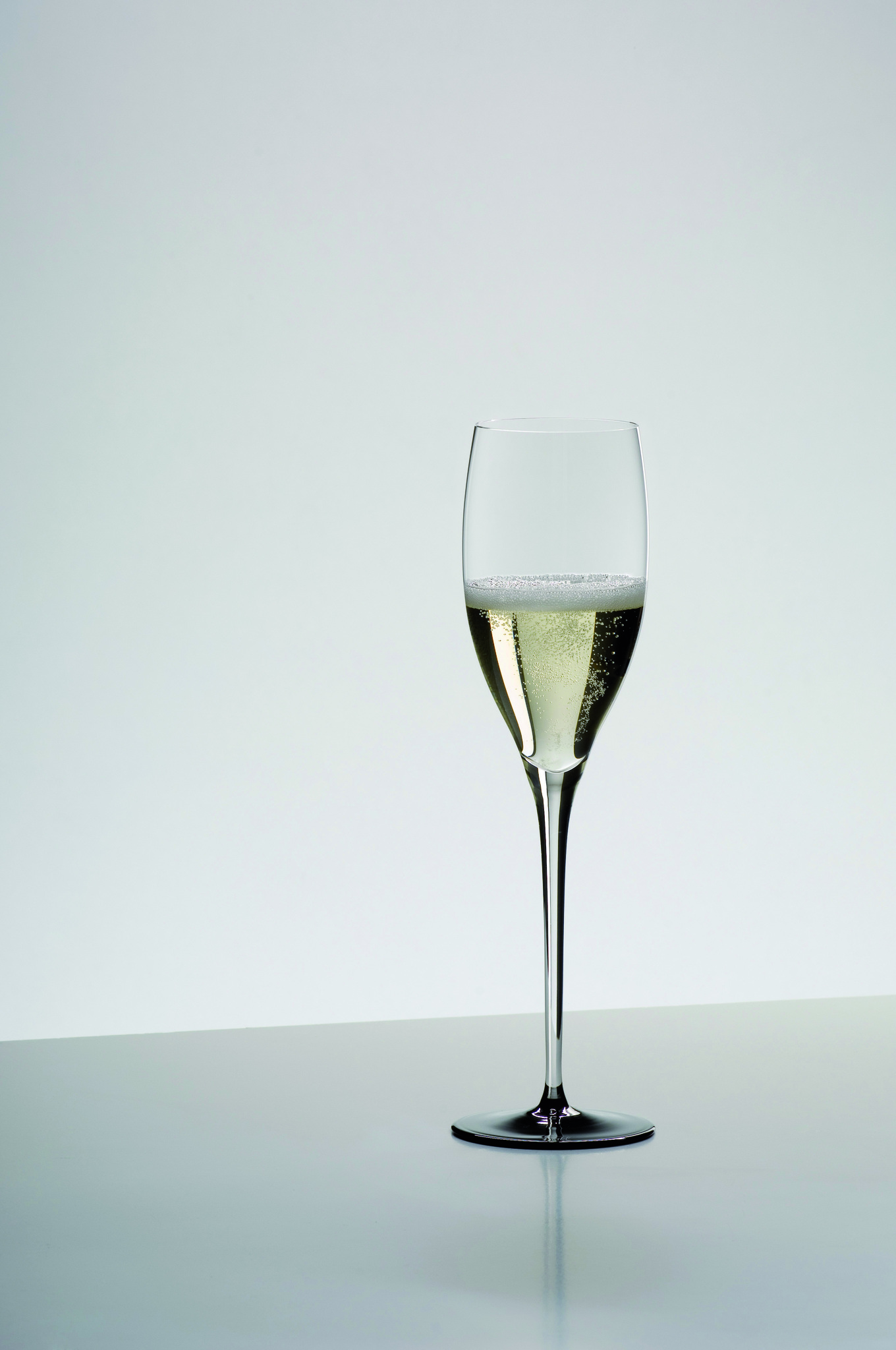 Бокалы Бокал для шампанского 330мл Riedel Sommeliers Black Tie Vintage Champagne bokal-dlya-shampanskogo-330-ml-riedel-vintage-champagne-black-tie-avstriya.jpg