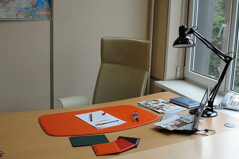 Покрытие на стол из кожи Модель 4.