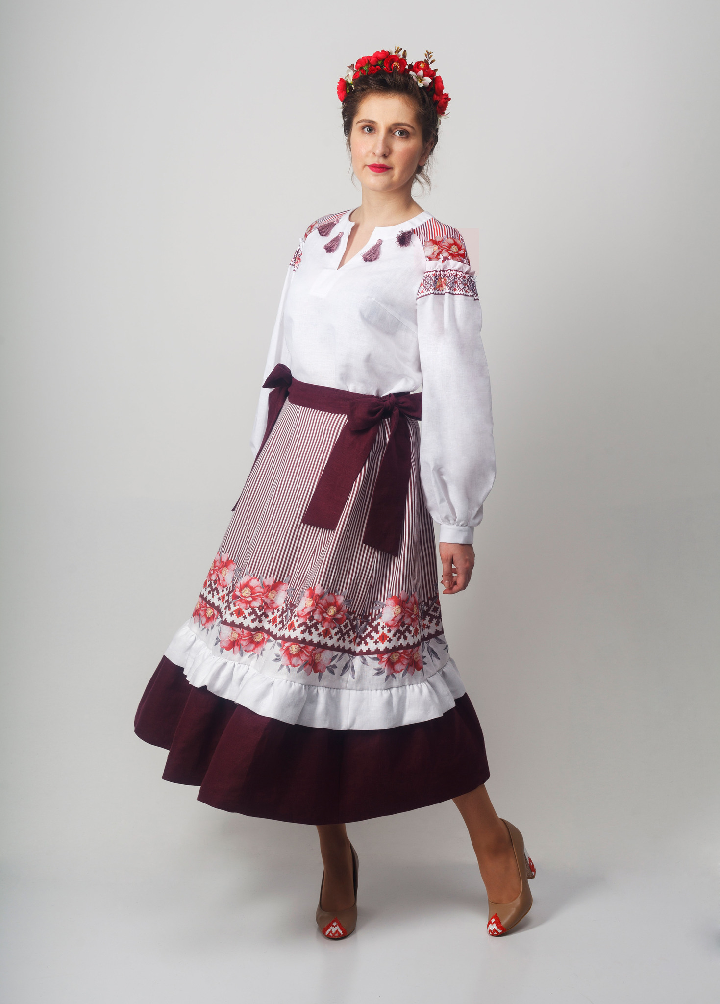 Блуза Дивная 02 с юбкой Хозяйка тайги