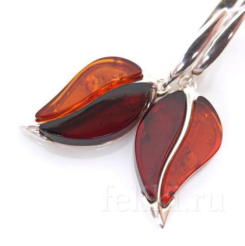оригинальные серьги из серебра с натуральным янтарём