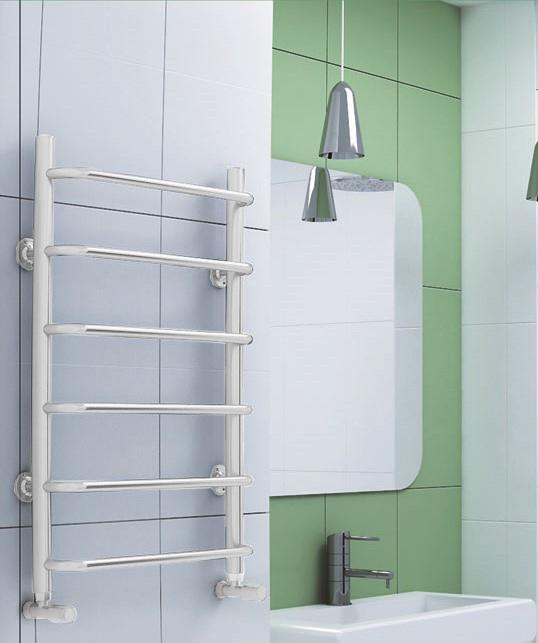 Standart  - белый полотенцесушитель с перекладинами выдвинутыми вперед.