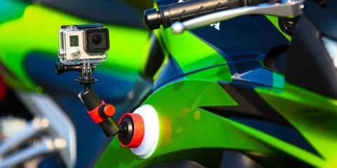 Крепление - присоска Joby Suction Cup & Locking Arm на велосипеде