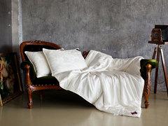 Элитное одеяло шелковое 220х240 German Grass Luxury Silk