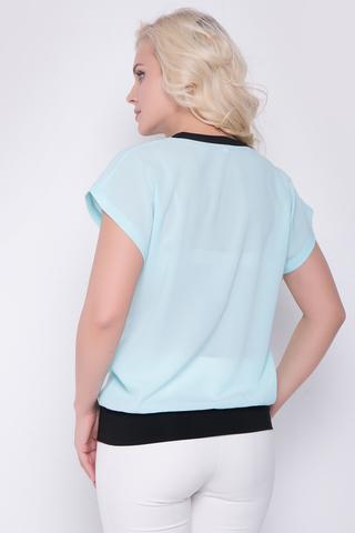 <p>Стильная блузка для очаровательной миледи. Рукав кимоно. По переду украшена кружевом.</p>