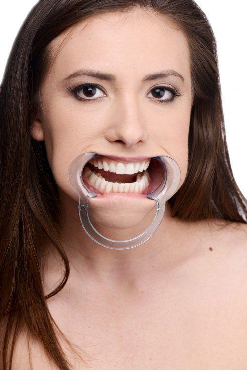 женский рот в деле фото
