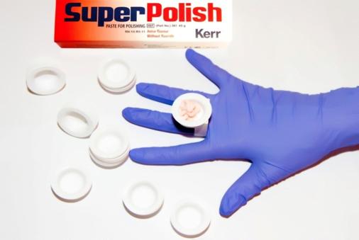 Паста «Super Polish» или «Clean Polish, Перстень для чашечек, Чашечки «Dapper Dan plastic cups»