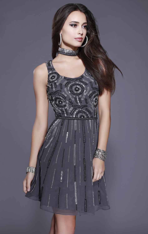 Shail K  5556 Платье расшито бисером и пайетками, короткое, юбка с кармашками легкая и пышная
