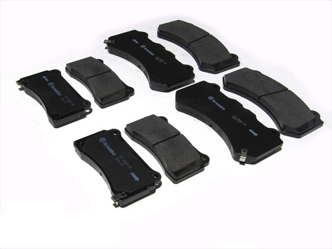 ОЕМ передние колодки Nissan GTR