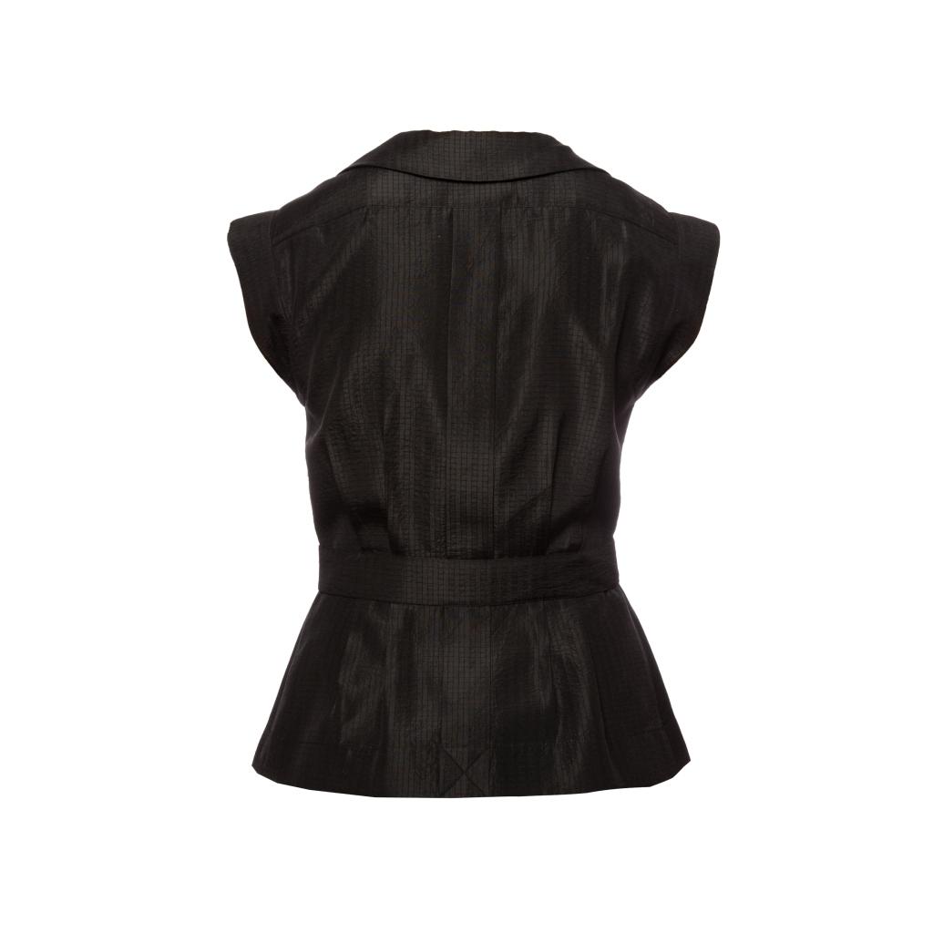 Изысканный жилет из шелка черного цвета от Chanel, 36 размер.