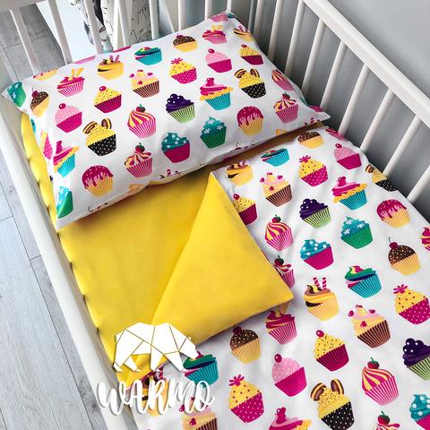 детское постельное белье в кроватку с кексами фото