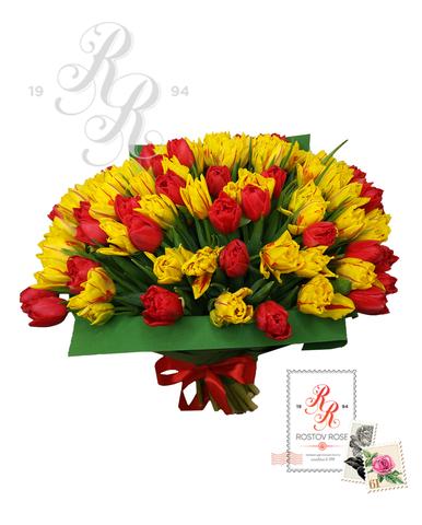 Красно-желтый микс из пионовидных тюльпанов