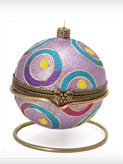 Шкатулка шар с подарком