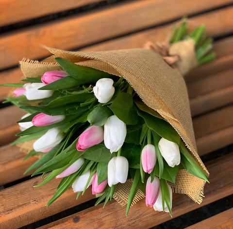 Букет из тюльпанов (розовые, белые)