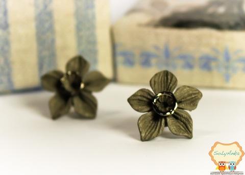 Порцелянові сережки Нарцис сріблястий