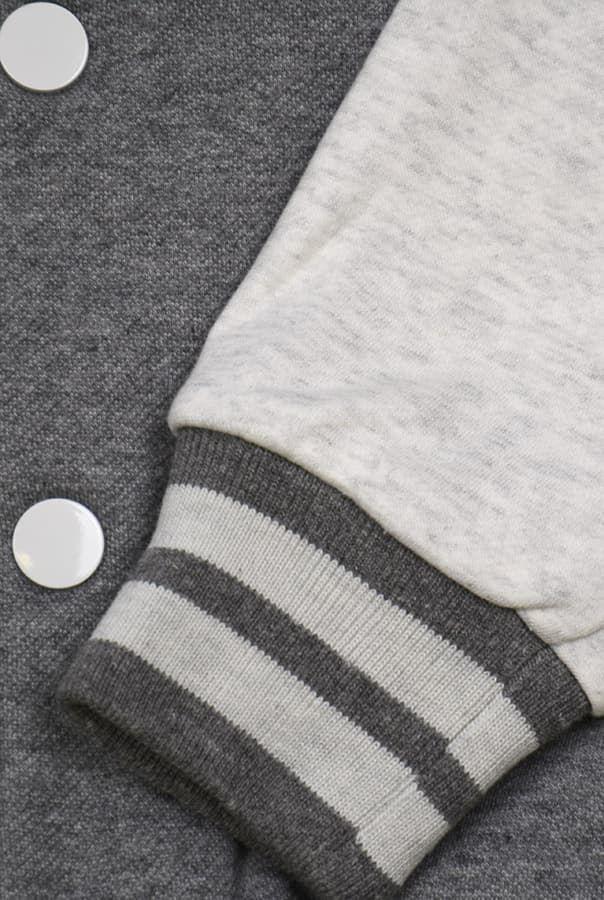 Бомбер серый фото манжет