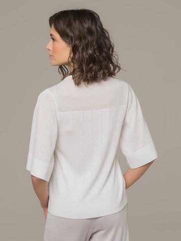 Женский белый джемпер со свободным укороченным рукавом - фото 3
