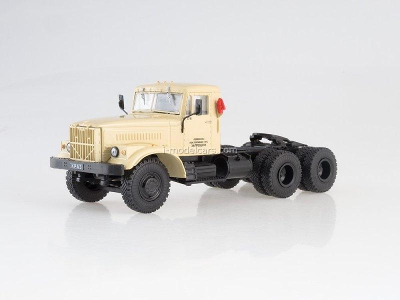 KRAZ-258 tractor beige 1:43 DeAgostini Auto Legends USSR Trucks #17