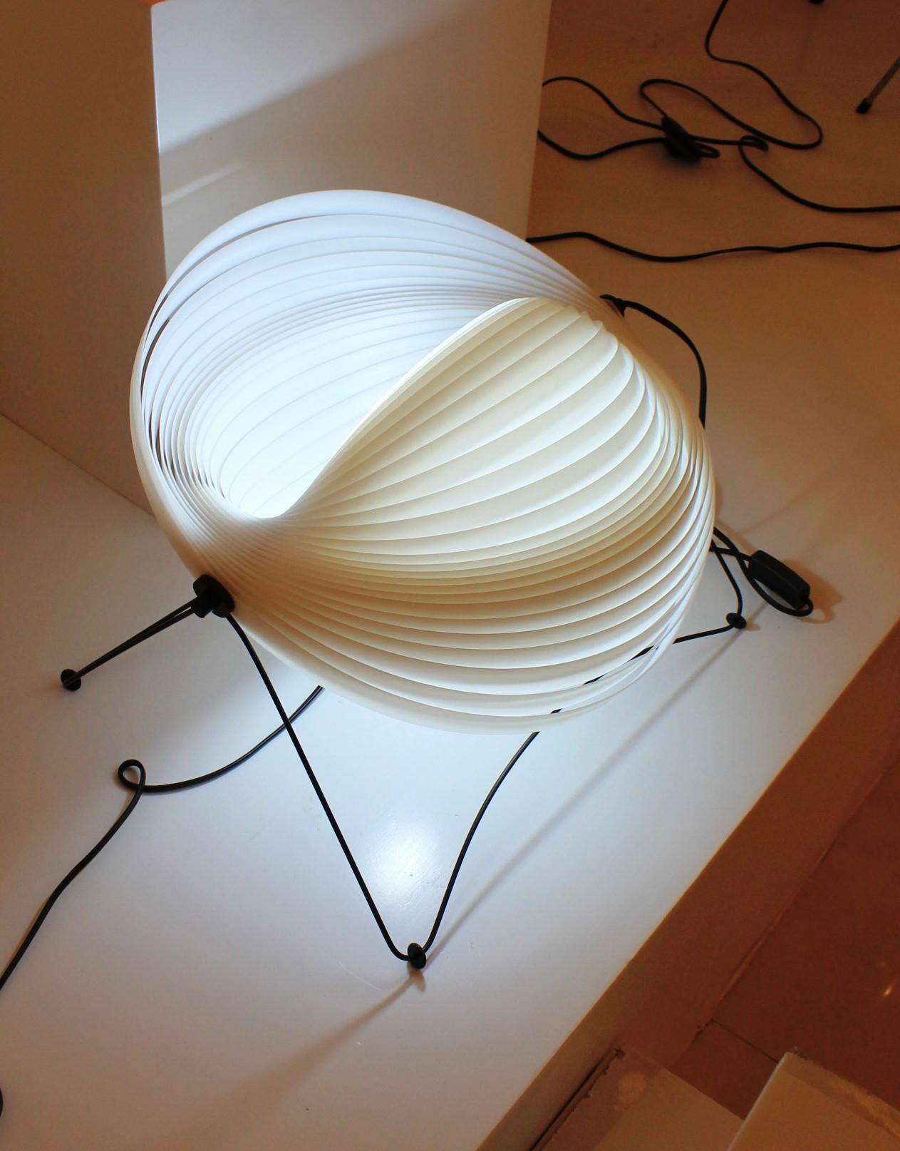 Replica Verner Panton Moon Simple Table Lamp (white)
