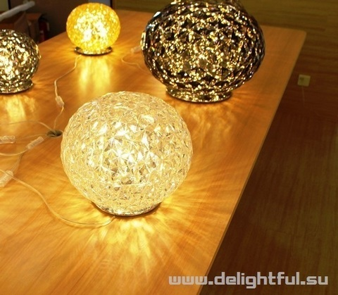 Kartell Planet ( clear ) table lamp