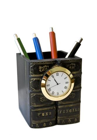 Карандашница с часами №2